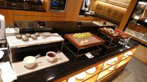 2020年コンラッド東京、本格営業再開後のエグゼクティブラウンジのお食事は